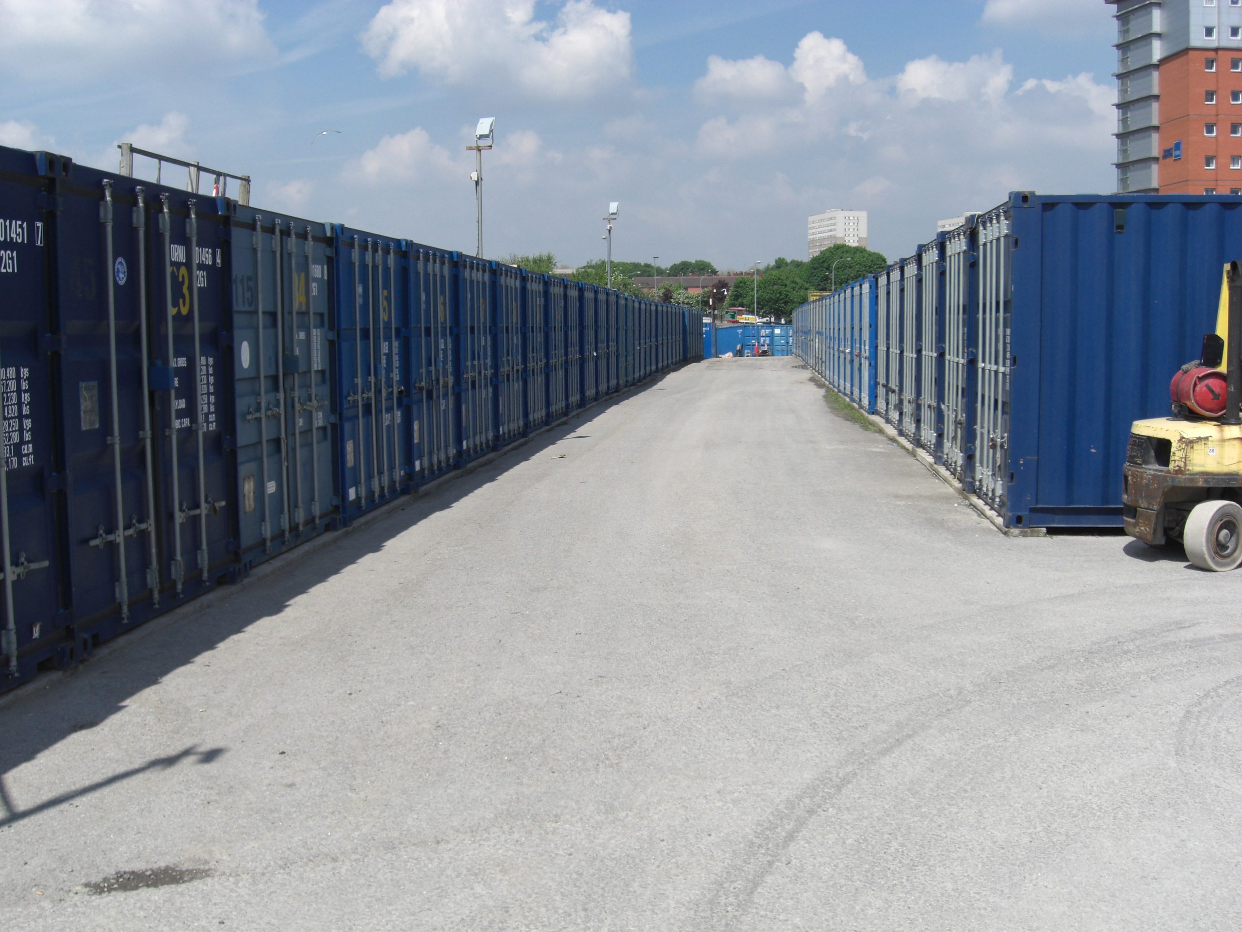 Checp self storage in sheffield